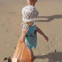 Ramassage à Tioman, plage assez propre car nettoyée (intelligemment) tous les jours