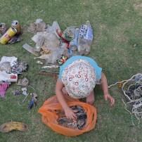 Tri des déchets ramassés ce jour là, et on en a profité pour faire un petit cours