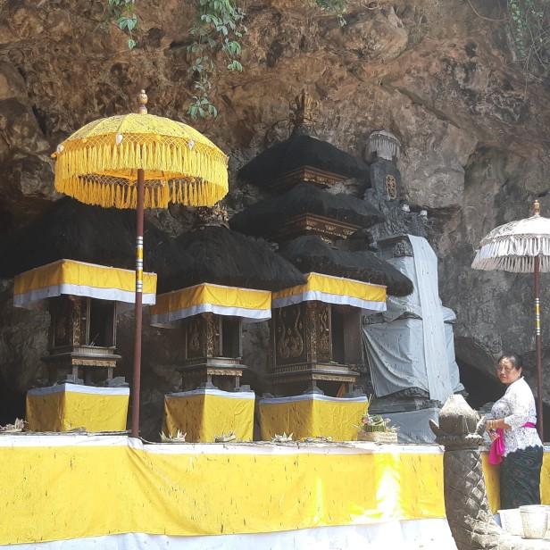 Le temple de la grotte aux chauves-souris